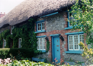 Irish Cottage -  newgrange, celtic, celt, mythology, earth mysteries, ancient sites, sacred sites, galway, connemara, killarney, tours, celtic tours, knowth, tara, dingle, burren